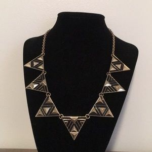 Forever 21 black and gold triangle necklace